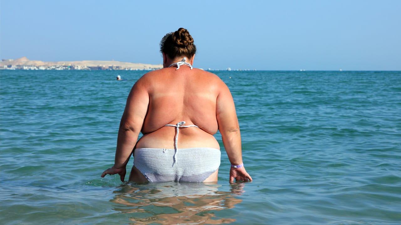 Толстяки на пляжах фото
