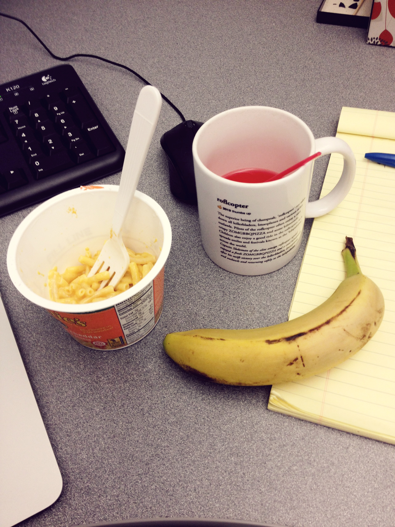 Hate Happiness? Then Keep Eating Lunch At Your Desk