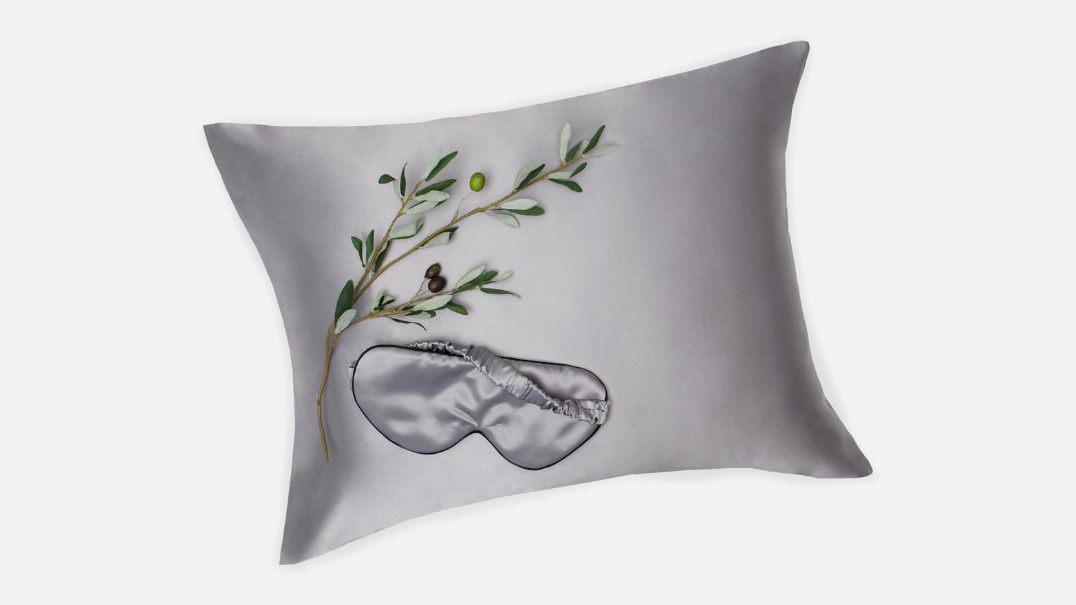Crane and Canopy Mulberry Silk Sleep Set