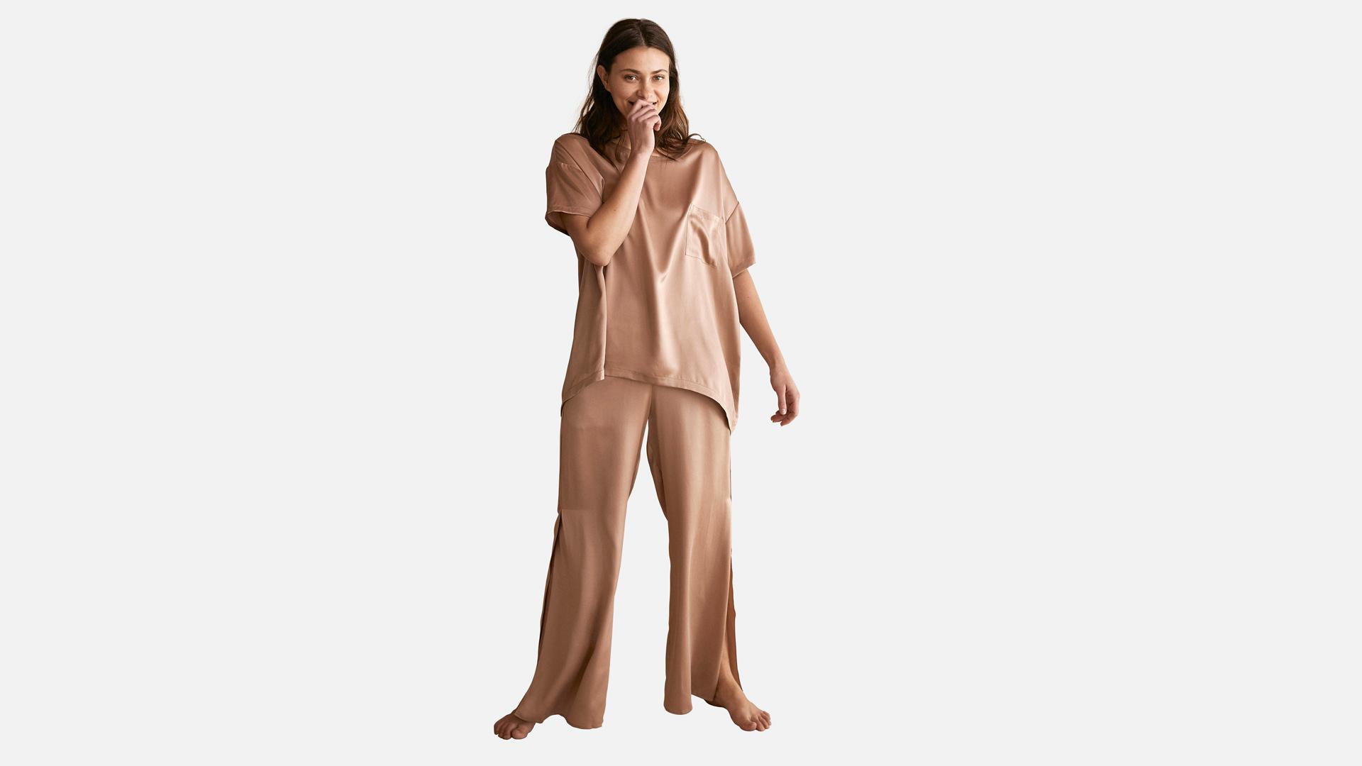 Lunya Washable Silk Tee Pant Set