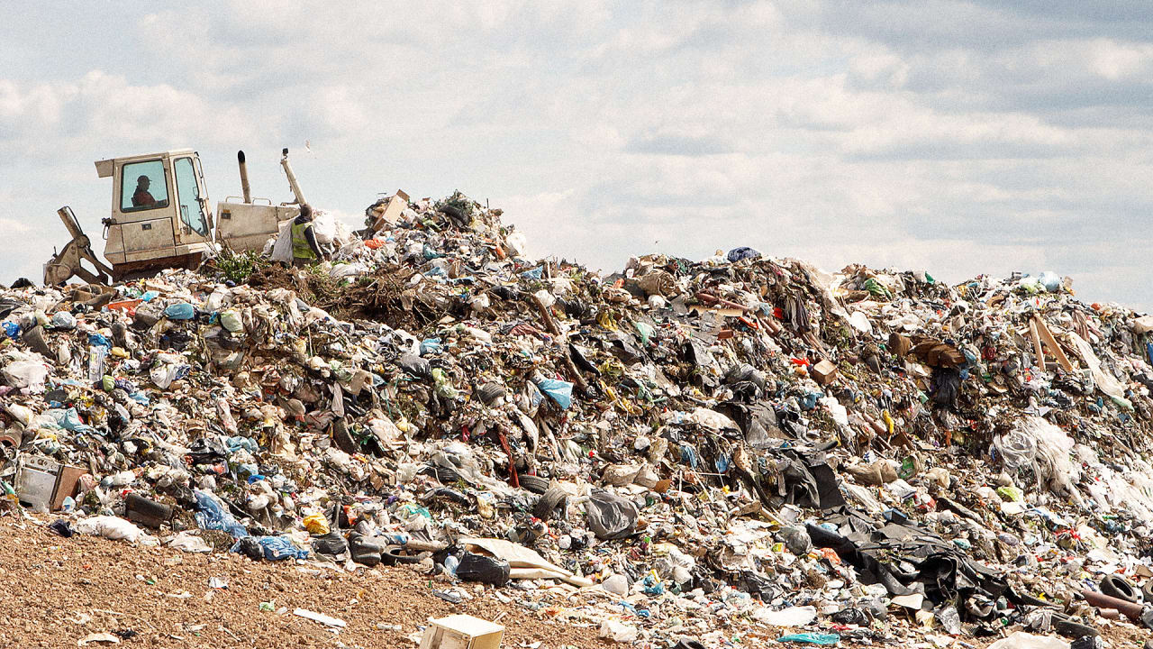 These Maps Show How Many Landfills There Are In The US