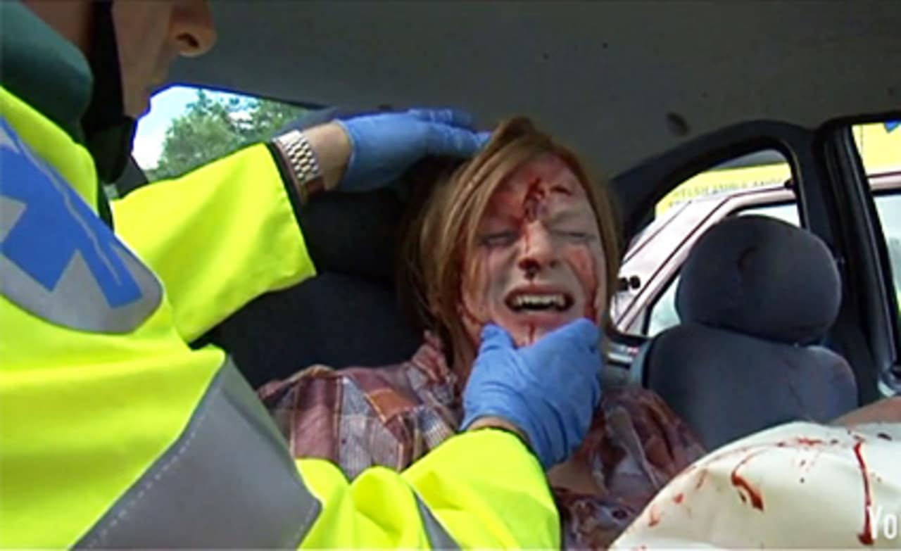 Texting While Driving >> Send This to Your Kids: Horrifying PSA About Texting While Driving.