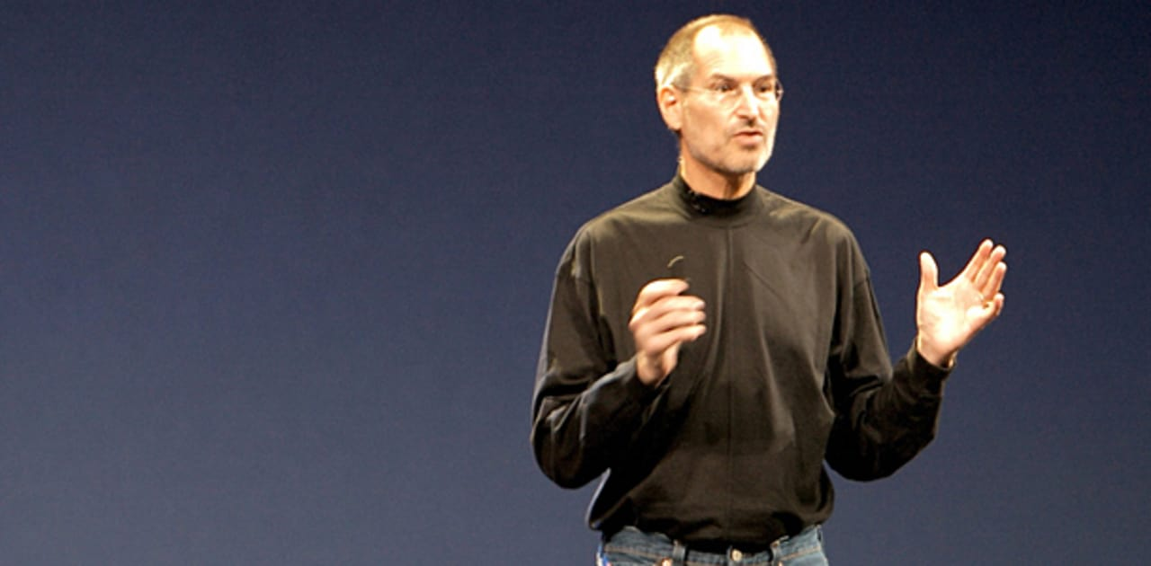 steve jobs presentation techniques The presentation secrets of steve jobs is as close as you'll ever get to having the master presenter himself speak directly in your ear communications expert carmine gallo has studied and analyzed the very best of jobs's performances, offering point-by-point examples, tried-and-true techniques, and proven presentation secrets in 18 scenes.