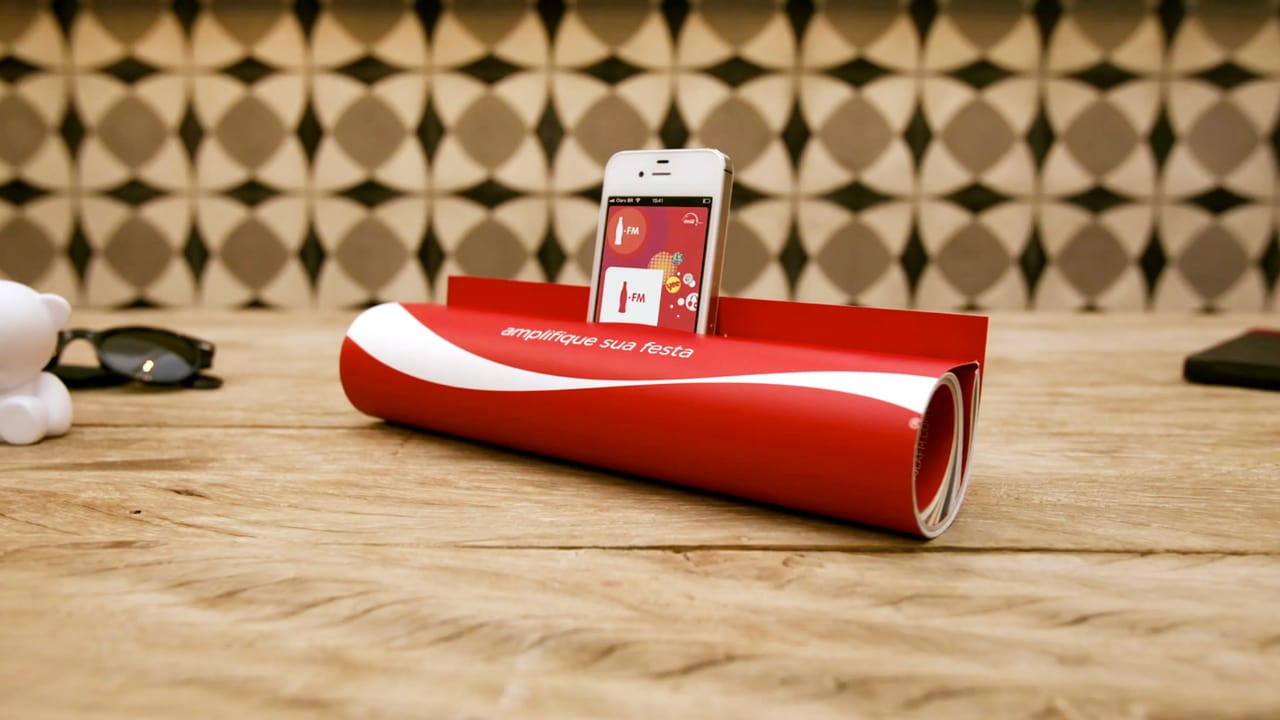 In a Pinch, This Coca-Cola Ad Doubles As An iPod Dock
