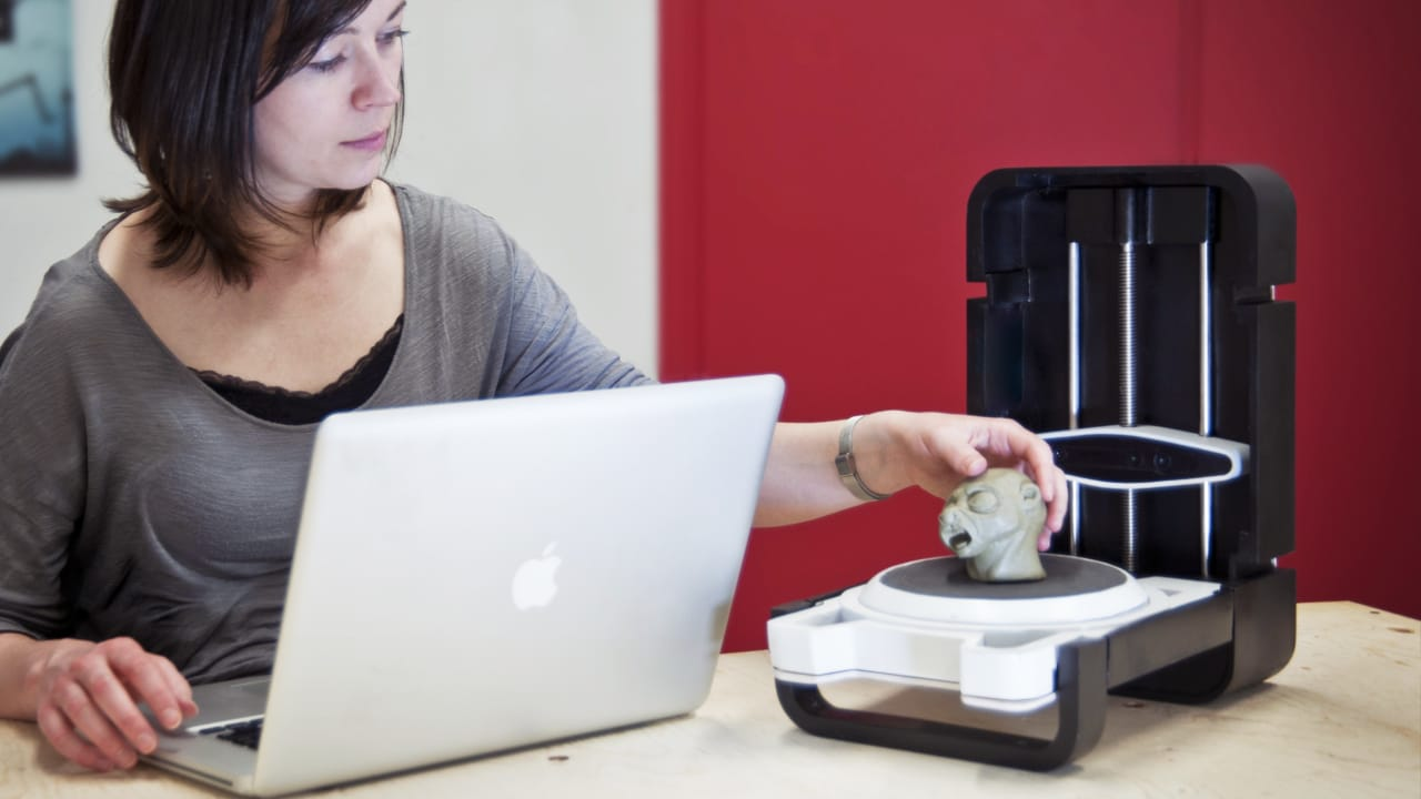 Join The 3-D Printing Revolution With This Affordable Desktop 3-D Scanner