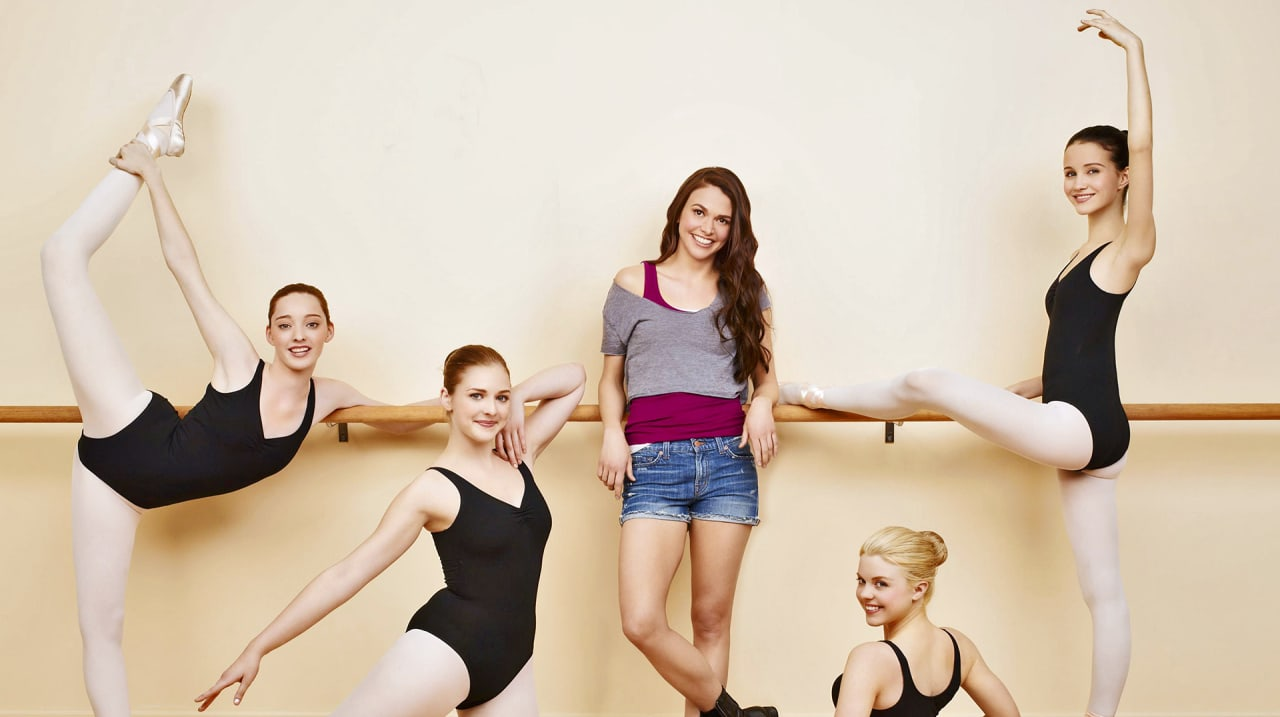 """Amy Sherman-Palladino on Making """"Bunheads"""" The Most Accurate Ballet Show Ever"""