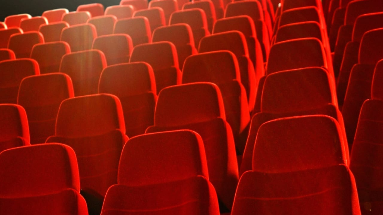 How to Build an Audience for Your Content—2 Lessons from the Media Industry