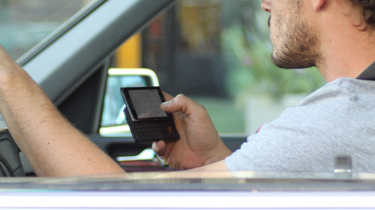 cell phone usage while driving research paper