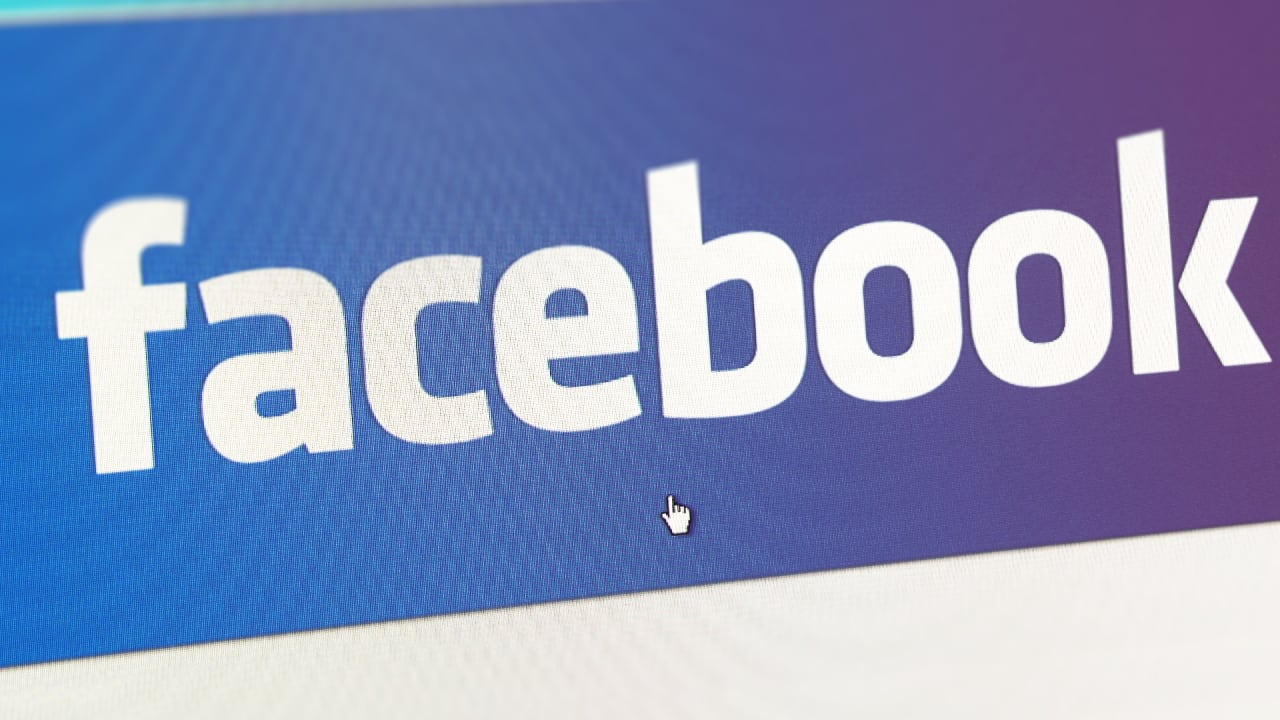 4 Persuasion Tricks Facebook Uses To Keep You From Quitting