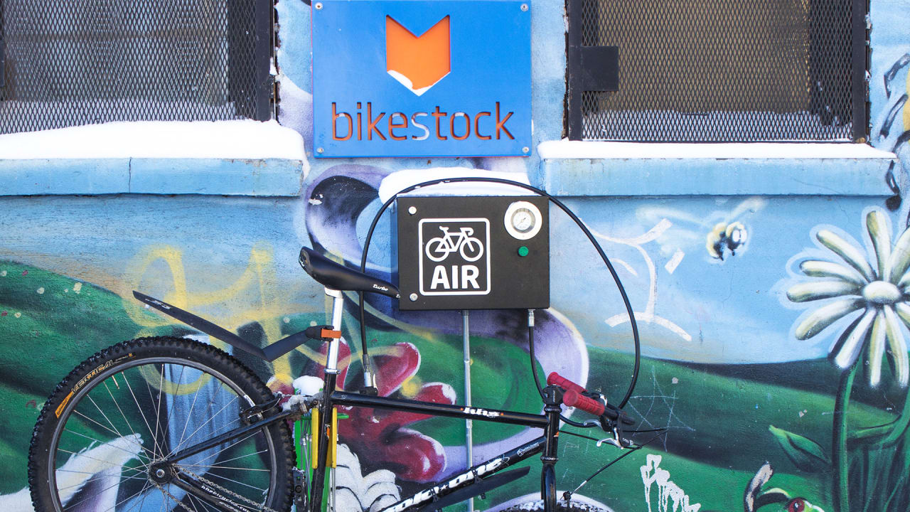 Got A Flat With No Bike Shop In Sight? Now You Can Buy Parts From This Vending Machine
