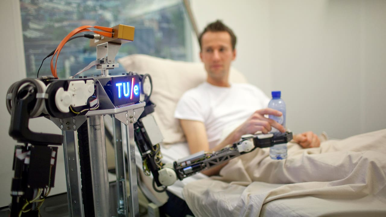 Robots Can Now Teach Other Robots, Thanks To The Robo Internet