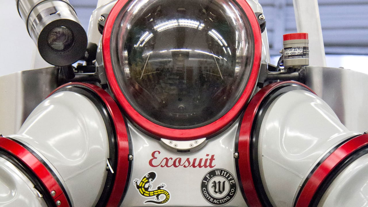 "This 530-Pound ""Exosuit"" Will Help Find Undiscovered Life 1,000 Feet Under The Sea"