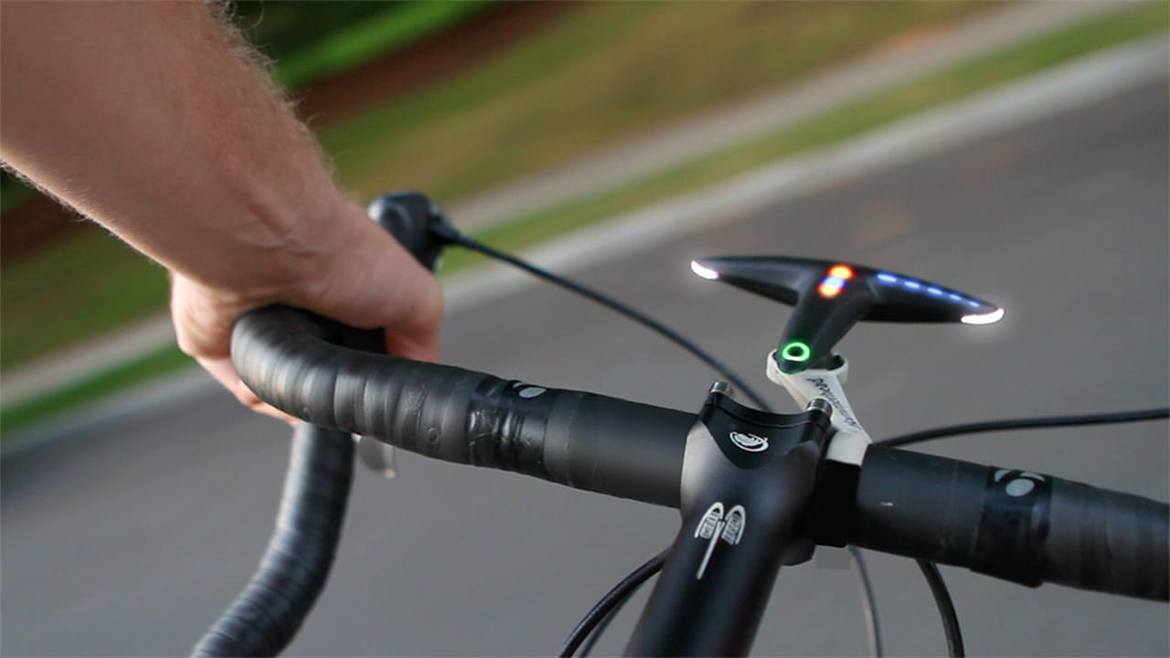 This Bike Navigation System Tells You Where To Go Without Causing An Accident