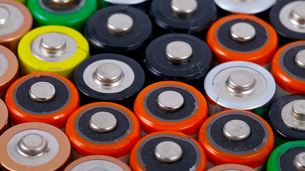 This Biodegradable Battery Can Melt Inside You