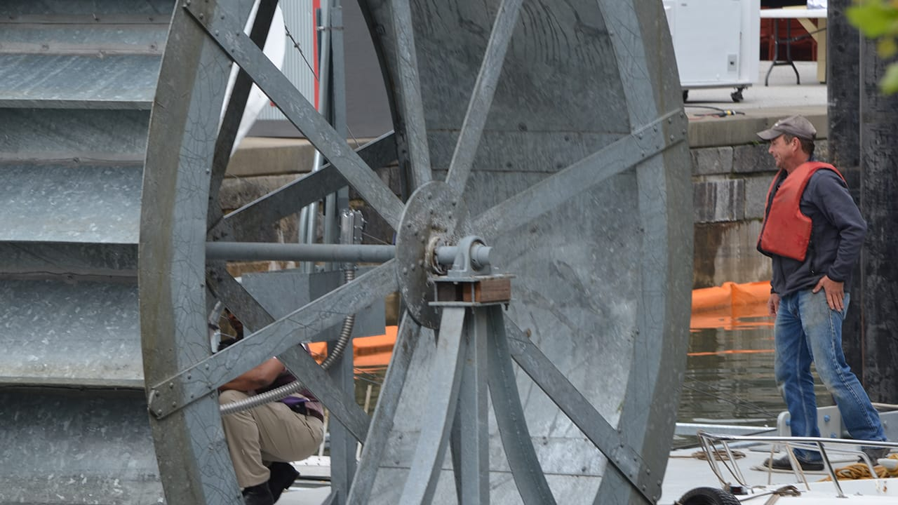 A Water Wheel That Sucks Up 50,000 Pounds Of River Trash Every Day