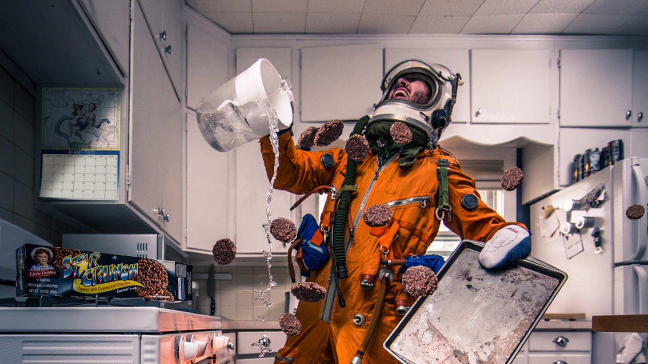 These Hilarious Photos Imagine The Everyday Life Of An ...