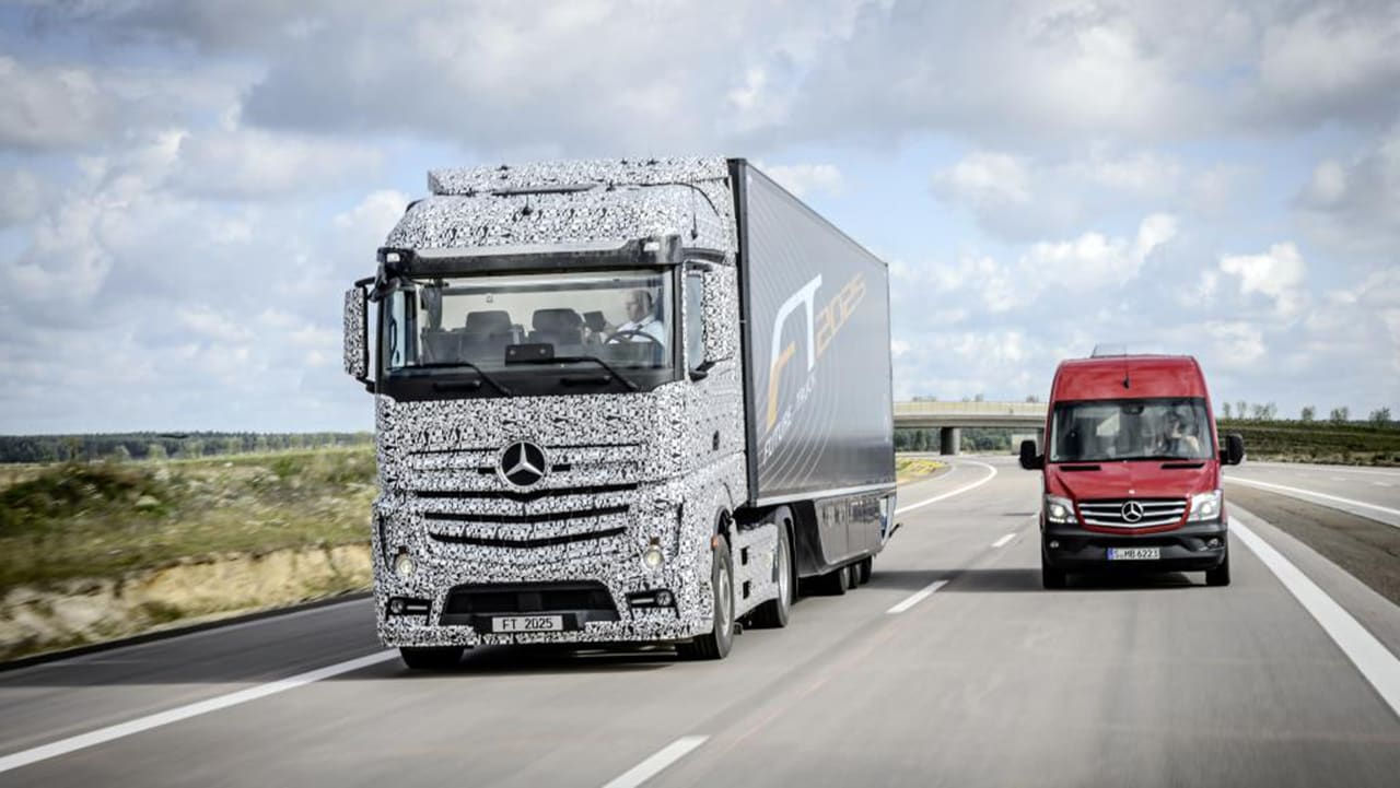 By 2025, Self-Driving Trucks Will Be Cruising Down Our Highways