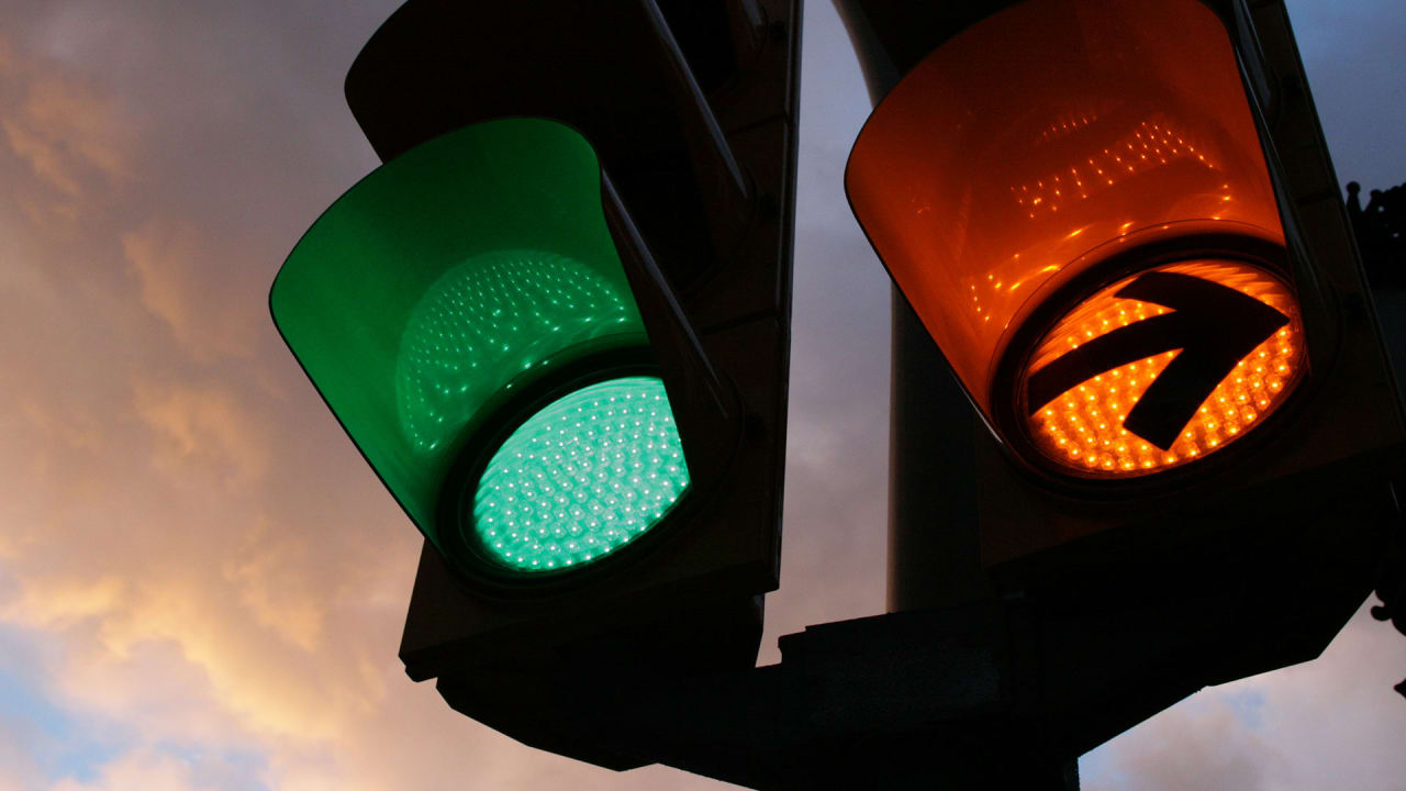 These Traffic Lights Predict Your Behavior To Give You A Speedier Commute