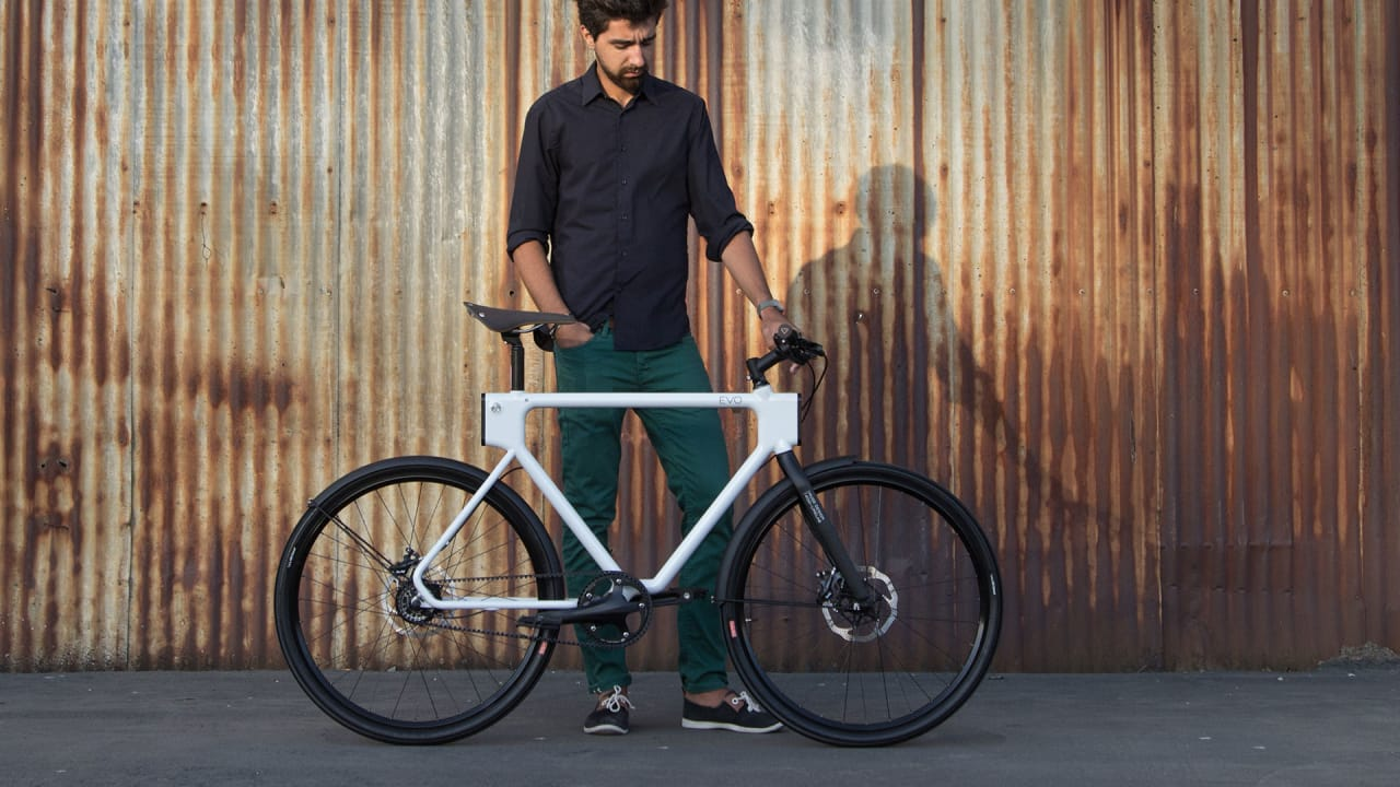 This Plug-And-Play Utility Bike Lets You Gear Up As Needed