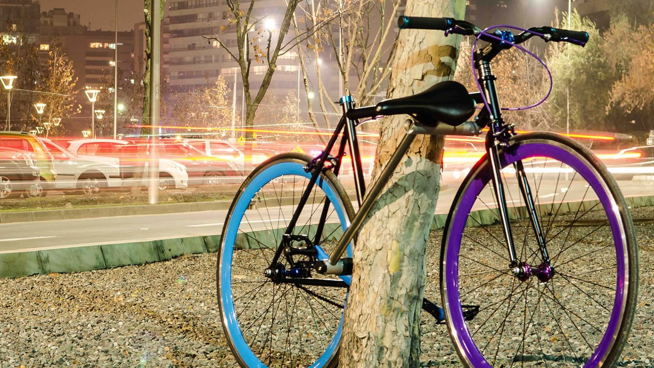 This Ingenious Bike Doubles As Its Own Lock