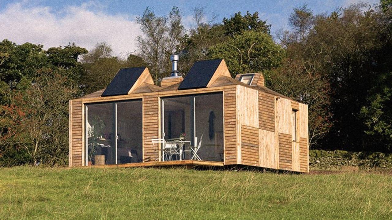 These modular pod homes balance on stilts so plants can for Modular stilt homes florida