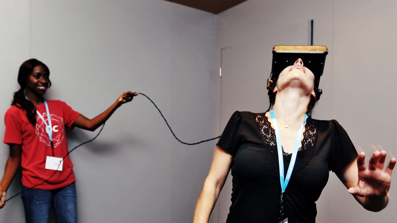 Test-Rifting The Oculus Crescent Bay VR Headset