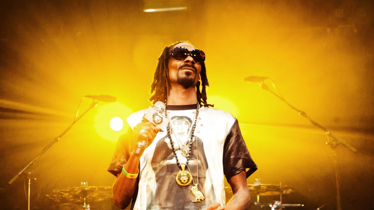 Inside Snoop Dogg's Fascinating, Unlikely Relationship ...