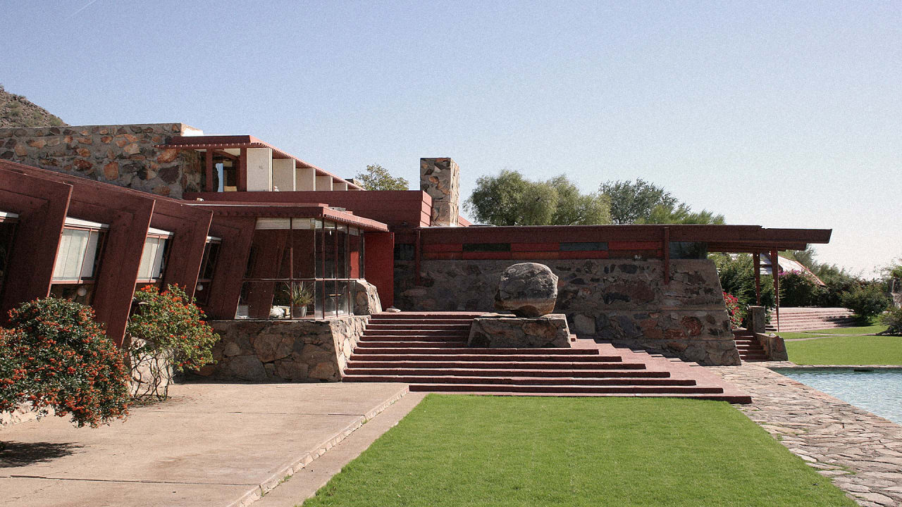 Frank lloyd wright architecture school might not lose for Architecture wright