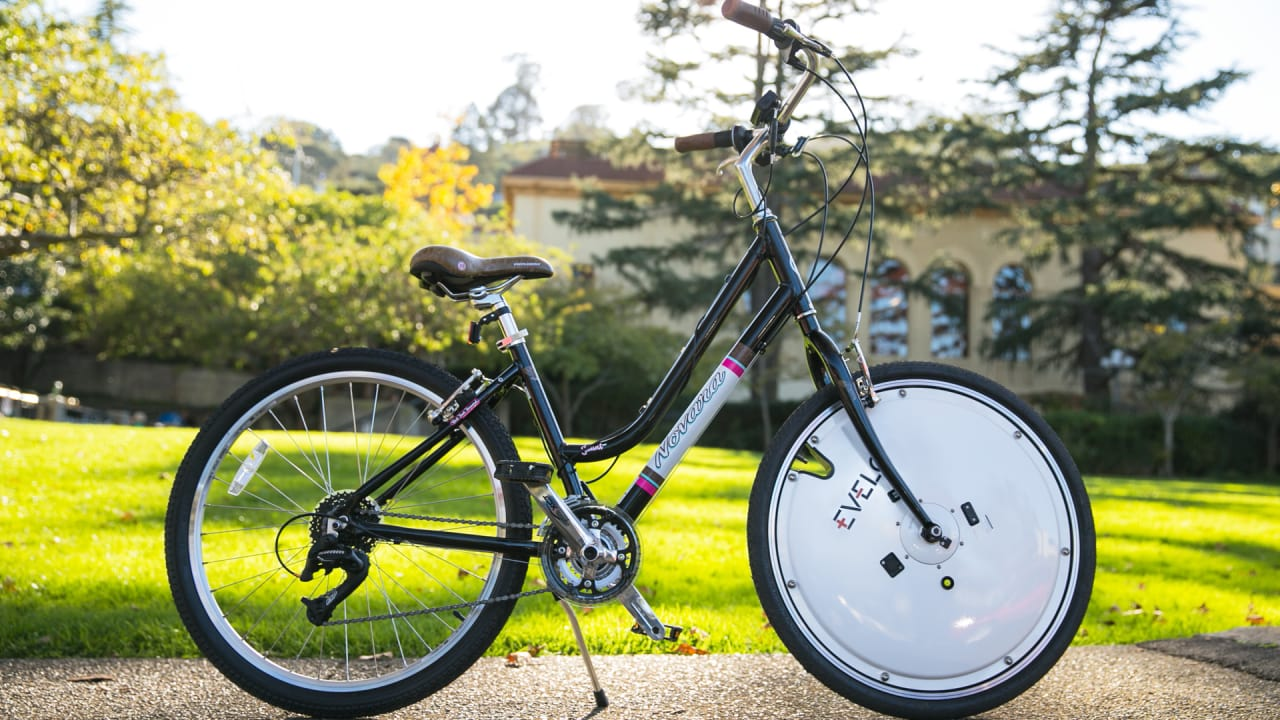 A Detachable Wheel That Makes Your Bike Electric Is About To Hit The Market