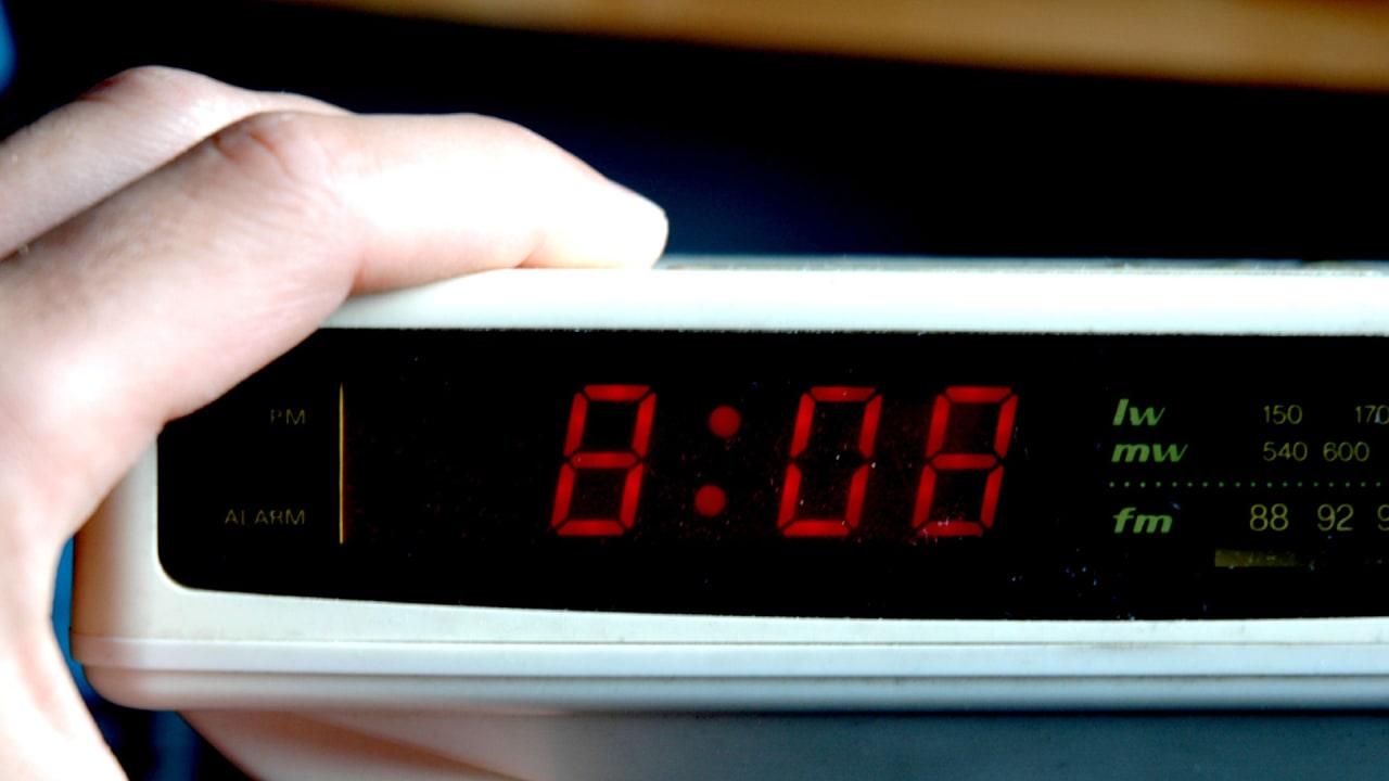 How I Finally Trained Myself To Wake Up Early dee32583940
