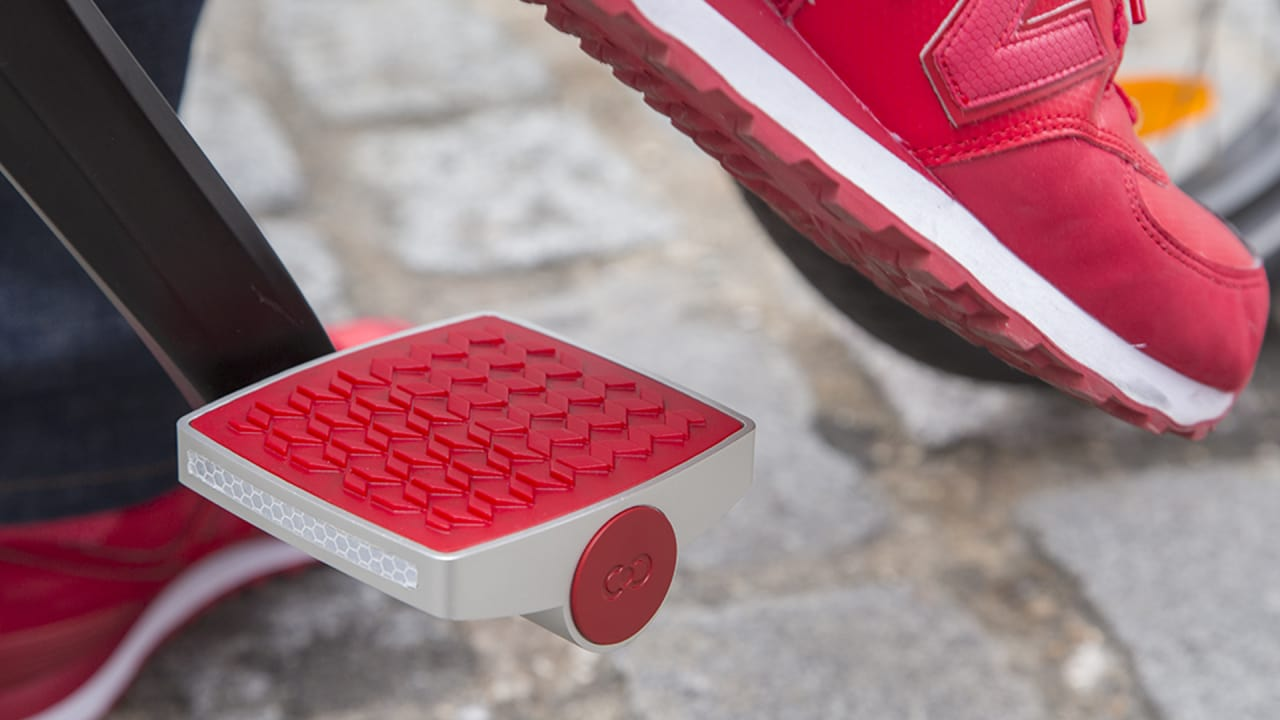 This Smart Bike Pedal Alerts You If Your Bike Is Being Stolen, And Then Tracks Down The Thief