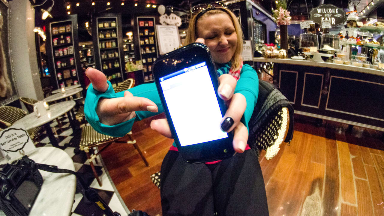 Meet The Mobile-Only Bank For On-The-Go Millennials