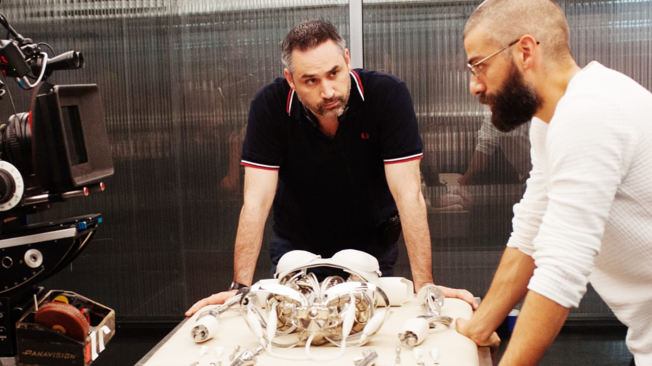 7 Lessons in Storytelling, From Novelist, Screenwriter, And Filmmaker (Don't Call Him a Director) Alex Garland