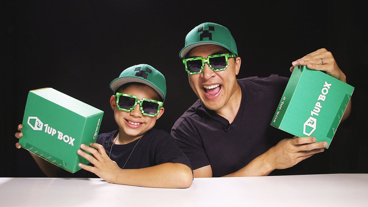 Meet The FatherSon Team Making Million On YouTube - Dad entertains 5 kids
