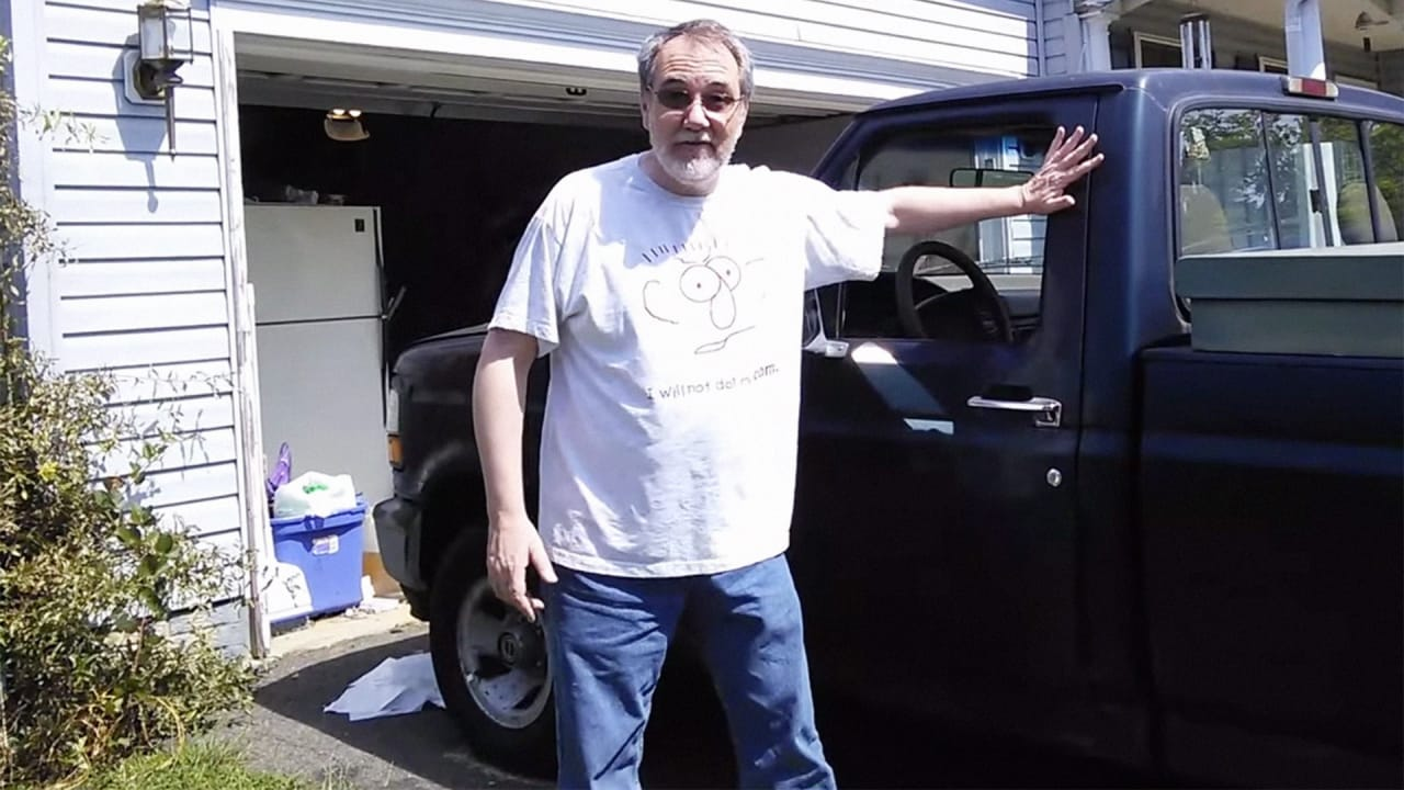 Watch a Hypnotic, Hilarious Homemade Ad For a Used Truck Nobody Will Ever Buy