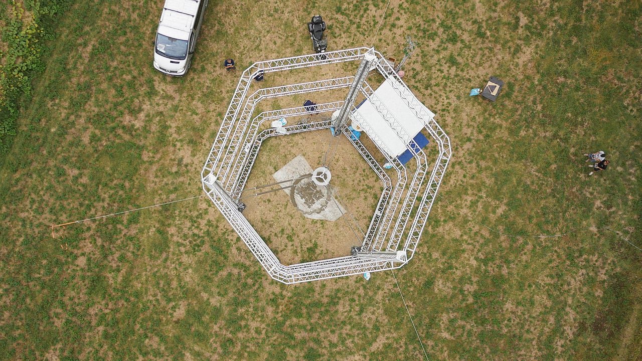 This Giant 3-D Printer Prints Entire Houses