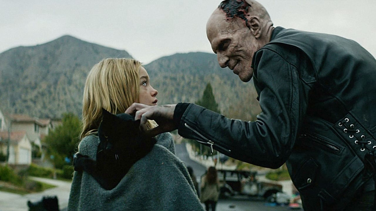 """Zombies Get Faster In Brooks's First-Ever Ad, """"The Rundead"""""""