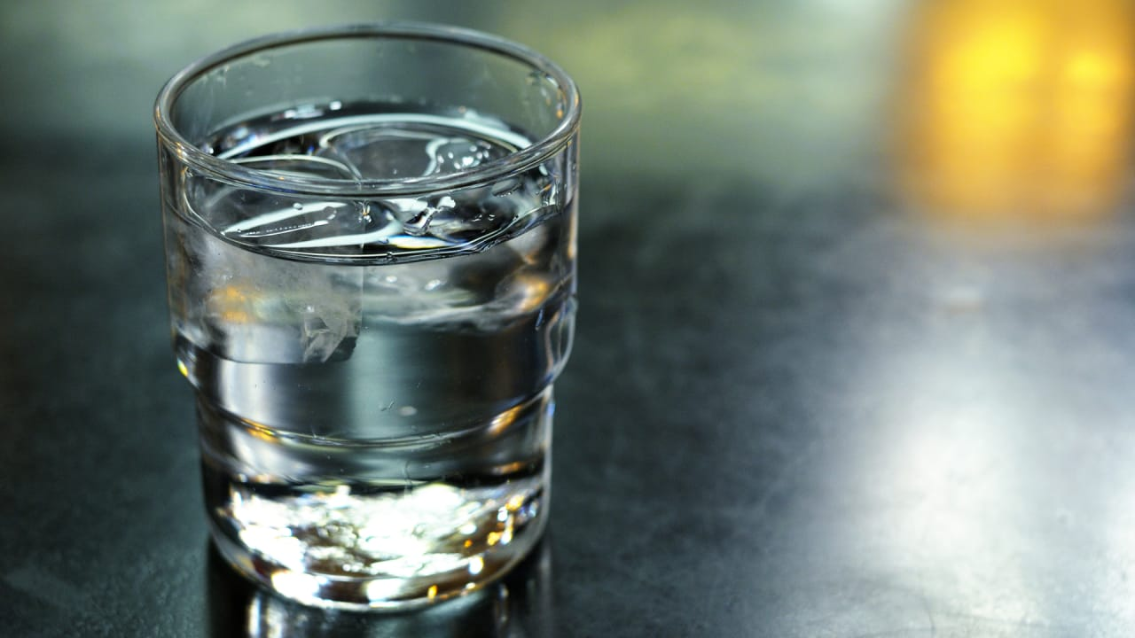 Adding Plain Water To Your Terrible Diet Will Make You Lose Weight
