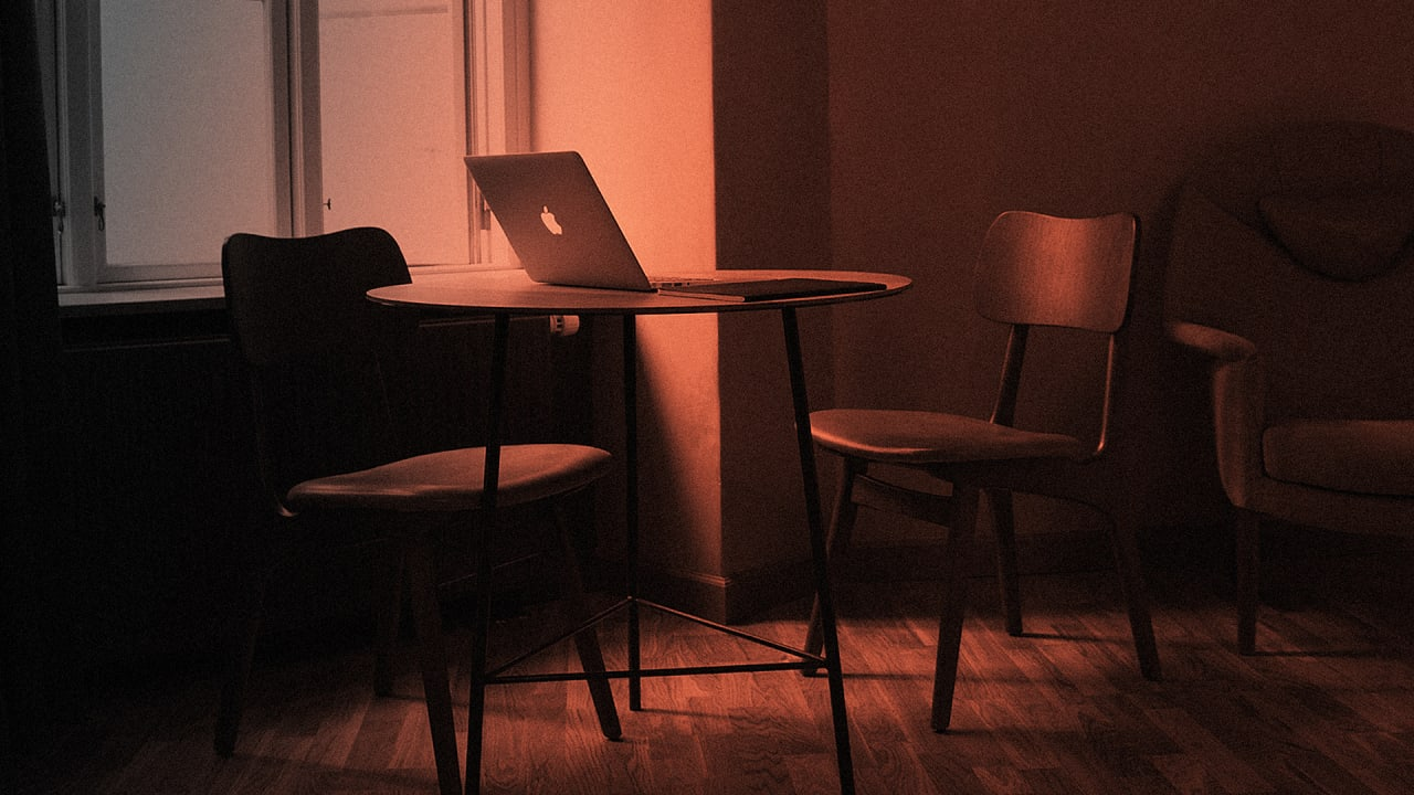 The Dangers Of Using Wi-Fi At An Airbnb