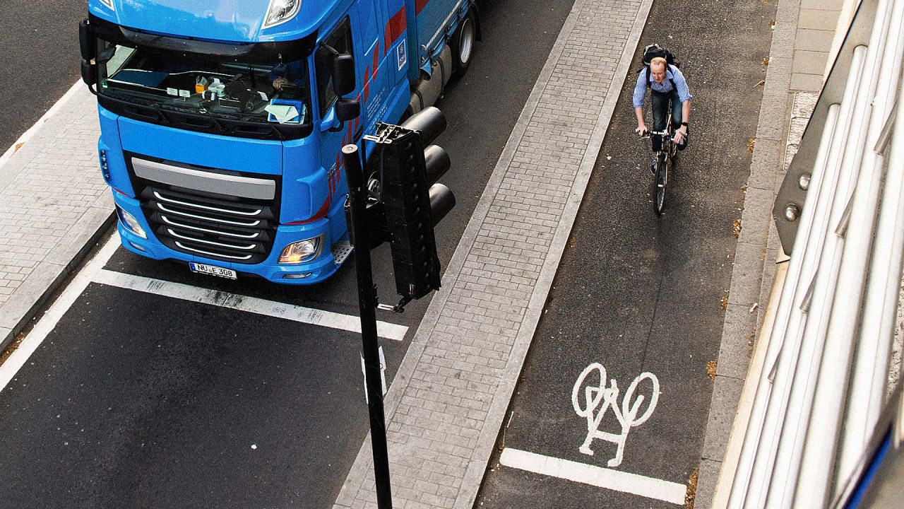 To Protect Pedestrians And Cyclists, London Is Banning The Most Dangerous Trucks