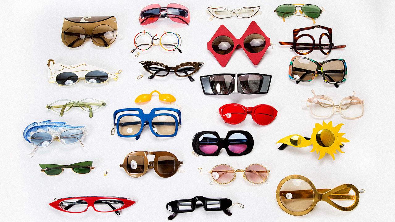 A Visual History Of Eyeglasses