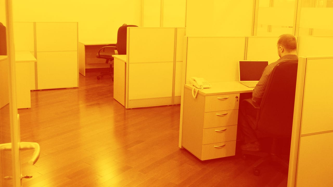 A Idiots Information To Adjustable Workplace Desk Defined Fast Company