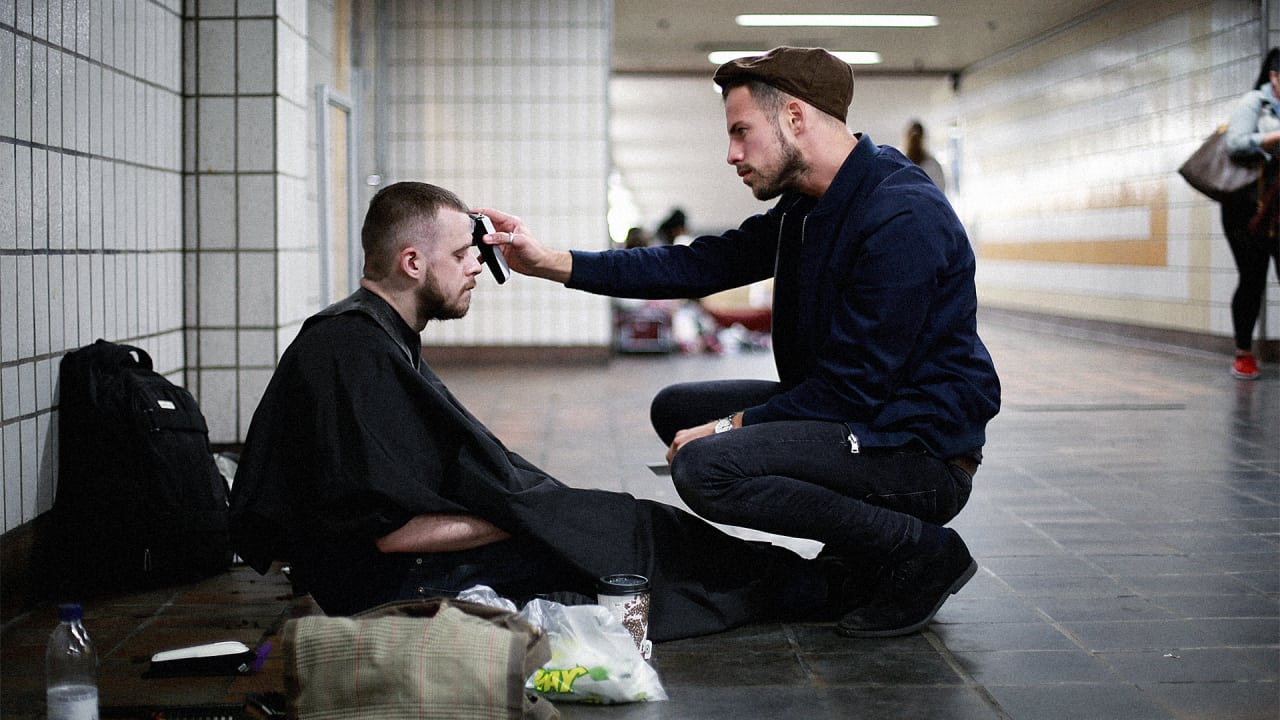 If Youre Homeless This London Stylist Will Give You A Free Haircut