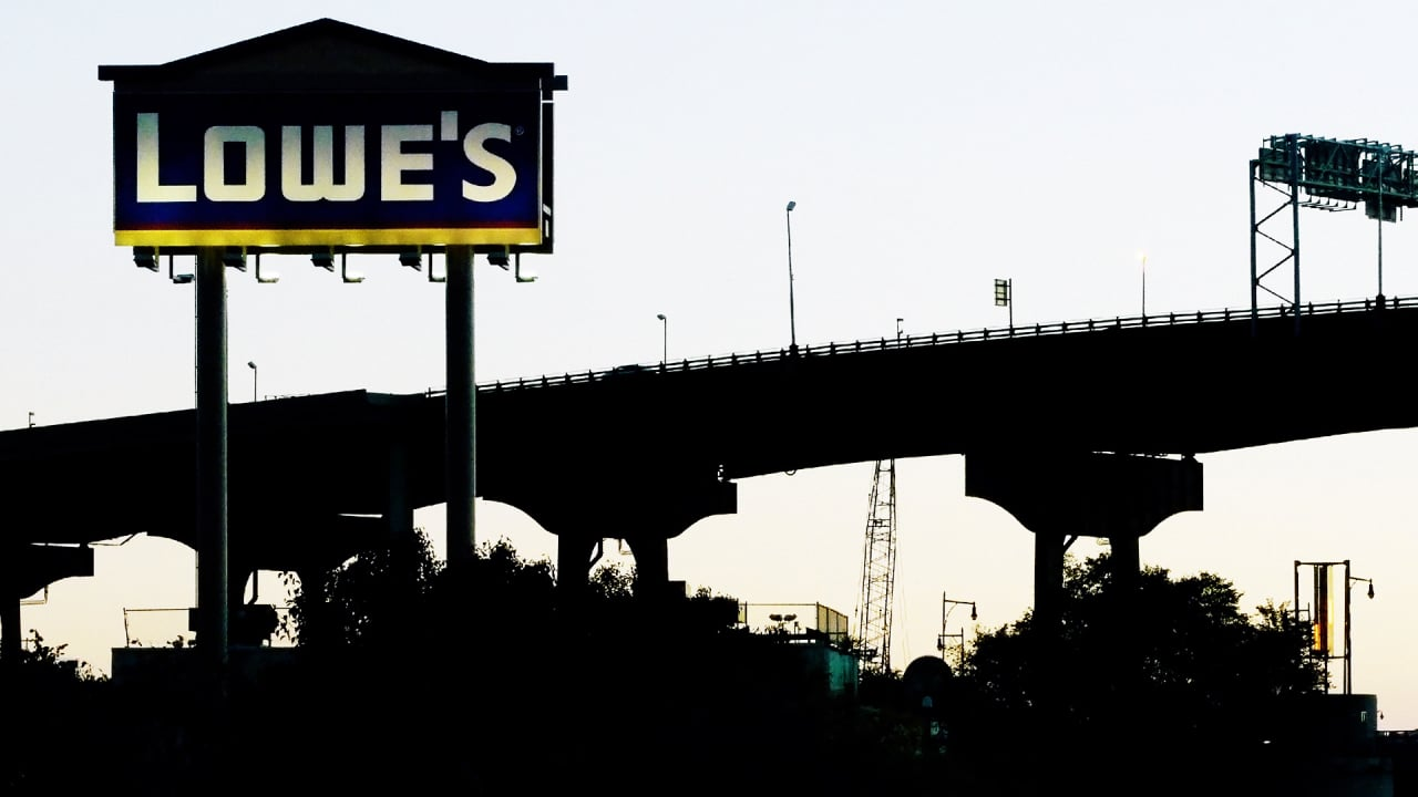 Lowe's Efforts To Retool Its Stores May Backfire, Say Employees