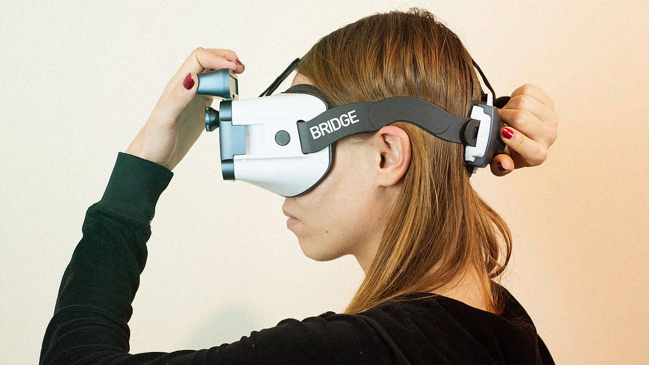This VR Headset Has A Secret Weapon: A 3D Scanner