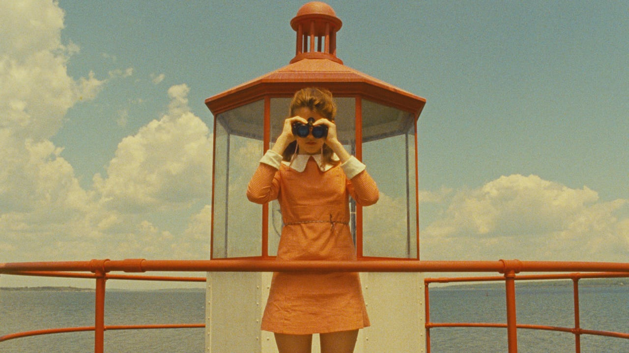 """Reddit's """"Accidental Wes Anderson"""" Finds Immaculate Composition In Eve"""