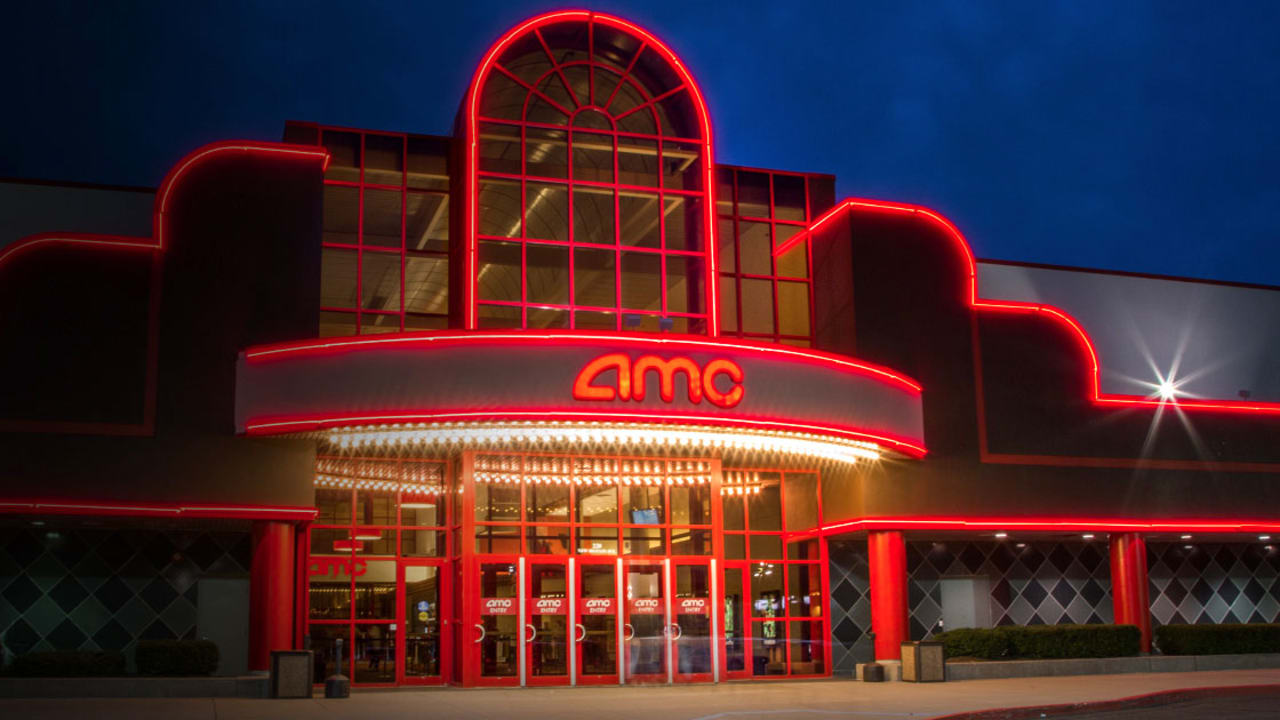The AMC Theatres prices are competitive in relation to the standard ticket prices. When the world-class quality of the facilities, amenities and services are considered, even the most expensive tickets are worth it. Moviegoers can avail of significant discounts by becoming a member of guest loyalty programs including the AMC Stubs program.