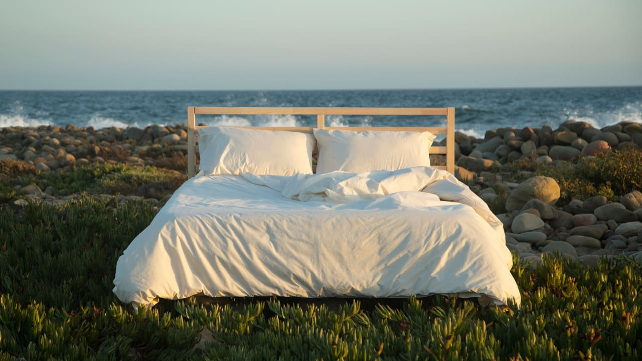 These Sheets Are Made With Just Three Things: Cotton, Rainwater, and Wind Power