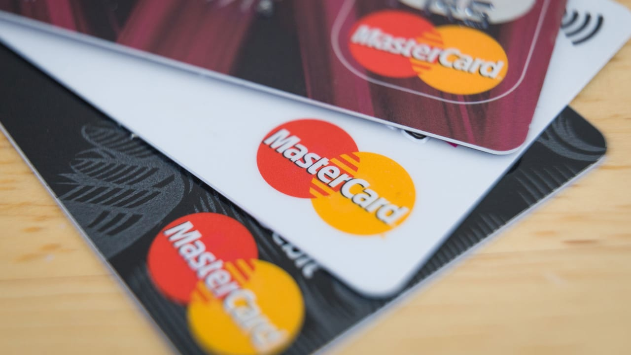 mastercard has finally realized that signatures are obsolete and stupi
