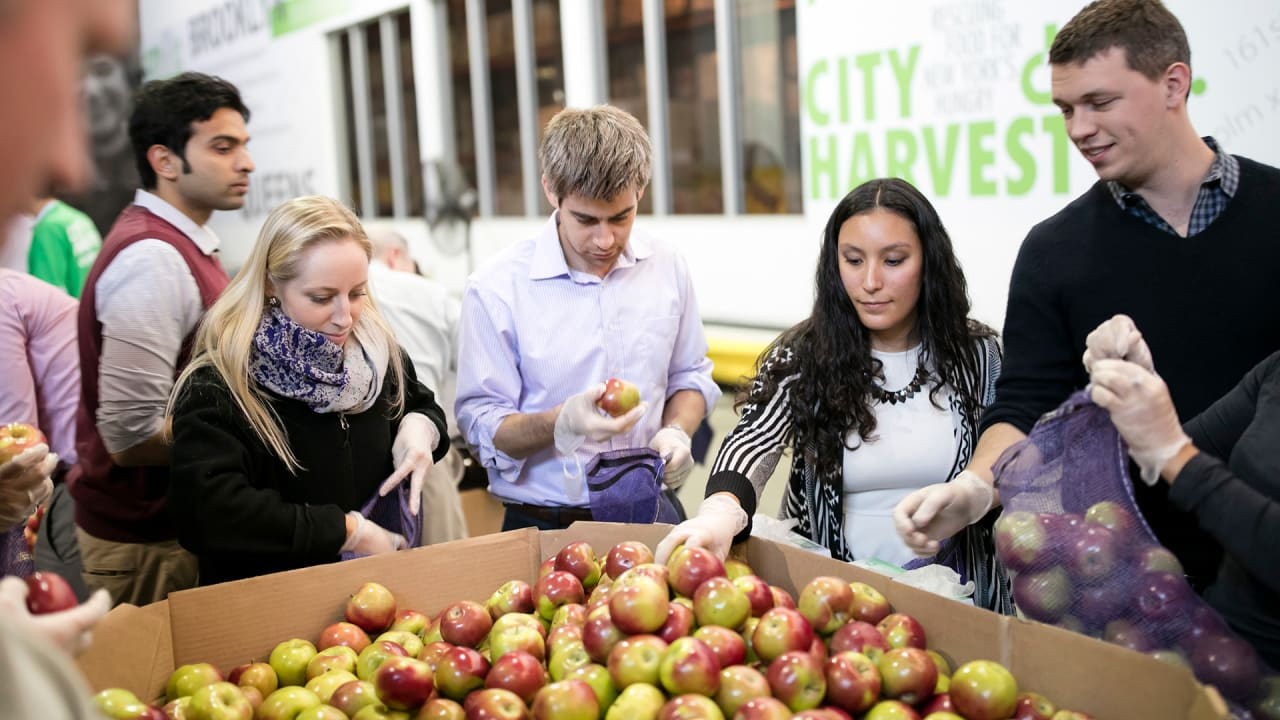 fastcompany.com - Food Banks' Massive Plan To Move From Canned Goods To Fresh Produce
